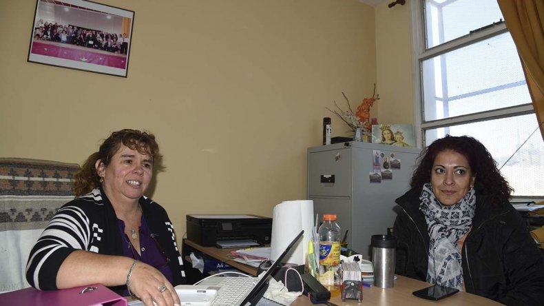 La directora Florencia Lancaster advirtió la preocupación que existe por las pérdidas cloacales alrededor de la escuela.