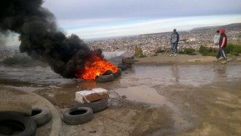 familias de zona de quintas ii queman cubiertas por falta de respuestas