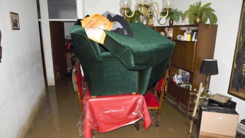 Entregarán mobiliario a familias con pérdidas extremas