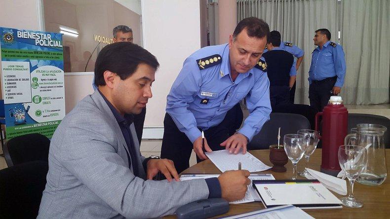 Acuerdan un aumento en dos tramos para la Policía del Chubut