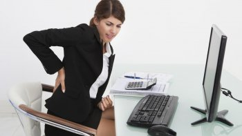el dolor de espalda que puede deberse a una enfermedad reumatologica