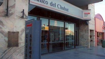 Más de 1.200 personas ya consultaron por el préstamo de hasta $100.000 pesos que ofrece el Banco Chubut.