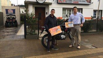 el telebingo premio con una  moto a un apostador de esquel