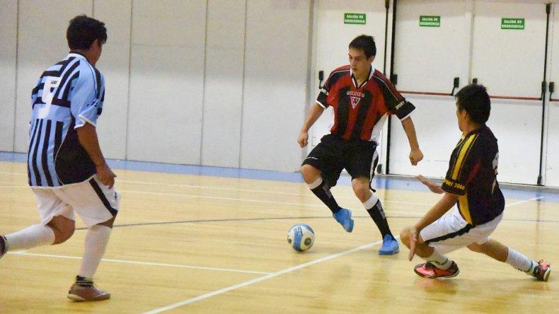 El torneo Apertura de fútbol de salón continuará esta tarde con más acción.