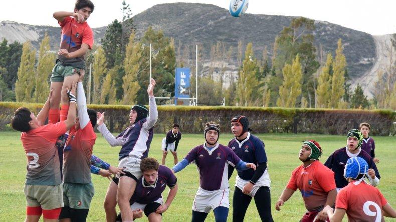 Ayer se disputó en cancha de Comodoro RC la primera jornada del Torneo Patagónico Juvenil de rugby.