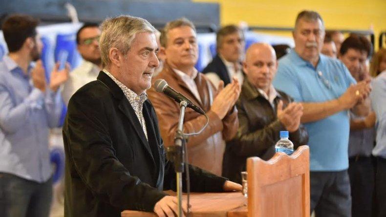 A un mes del temporal Das Neves agradeció la paciencia del pueblo