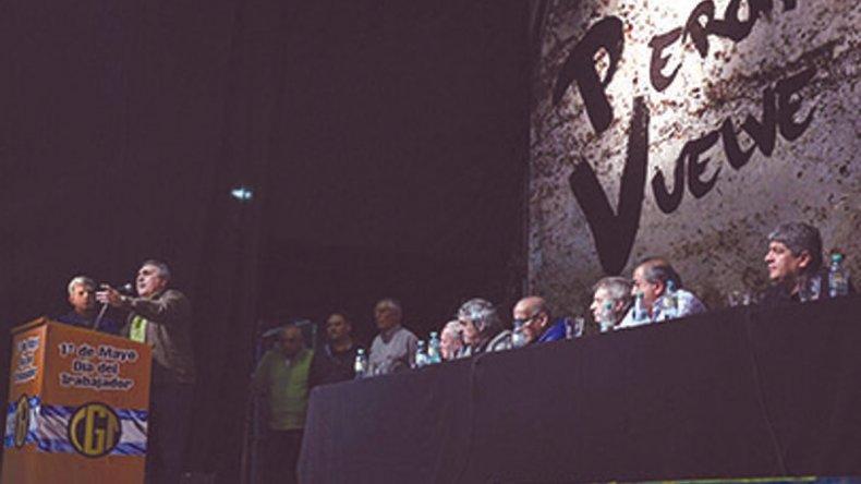 Schmid encabezó el acto por el Día del Trabajador organizado por la CGT.