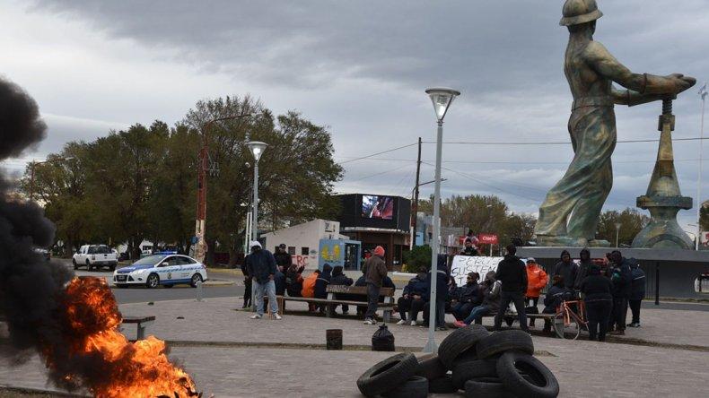 Luego de levantar el piquete debido a la presencia de gendarmes y policías