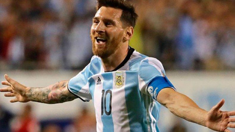 Leo Messi debe estar feliz y a la vez con la satisfacción de que podrá estar en los partidos que le restan a la Argentina para clasificar al Mundial de Rusia.