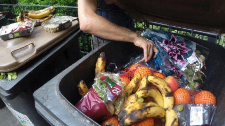 Recorrió 3.000 kilómetros  en bicicleta comiendo desechos