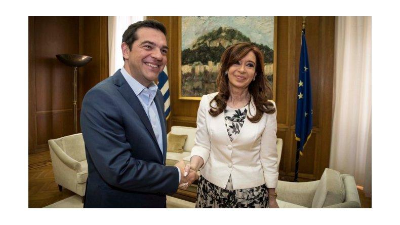Cristina se reunió con el primer ministro Tsipras en Grecia