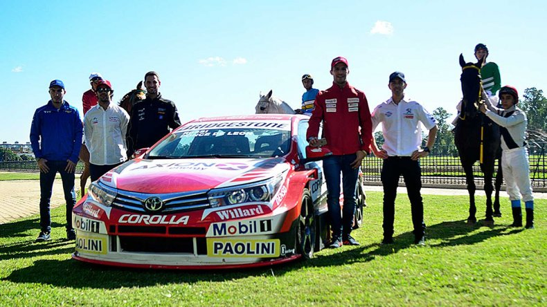 La presentación de la cuarta fecha del Súper TC2000 se realizó ayer al mediodía en el Hipódromo de Rosario.
