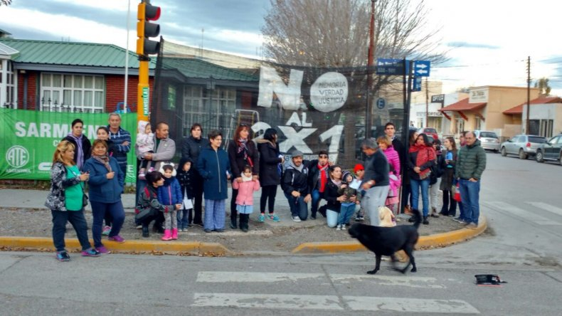 Sarmiento salió a la calle para manifestarse