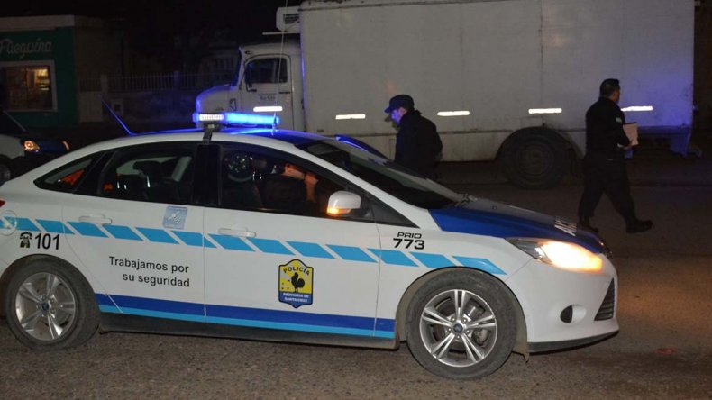 La víctima había descendido para entregar mercadería en un comercio y en la cabina del camión había quedado su hijo.
