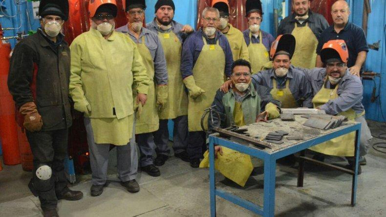 Los operarios ya participaron en una capacitación sobre soldadura industrial.