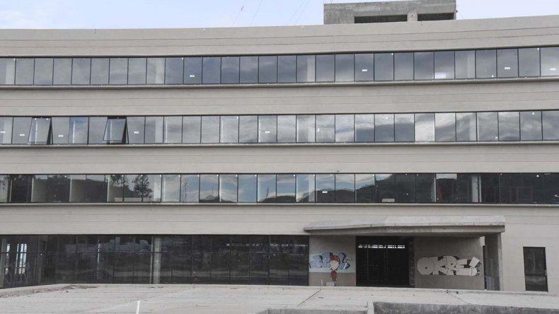 El estado actual de la fachada del edificio.