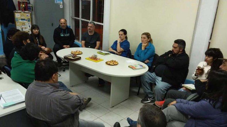 Representantes de distintas áreas del deporte local se reunieron en el gimnasio municipal 1.