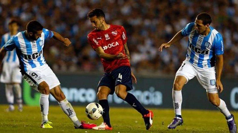 Independiente intentará esta tarde en su cancha hacerse fuerte frente a un Racing que buscará irse con algo del Libertadores de América.