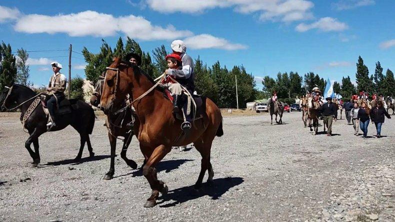 En Alto Río Senguer se lleva a cabo la Fiesta Provincial de Gato y Mancha. El evento se lleva a cabo con actividades de jineteada