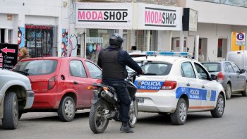 un centenar de policias custodiaran el centro por el superclasico