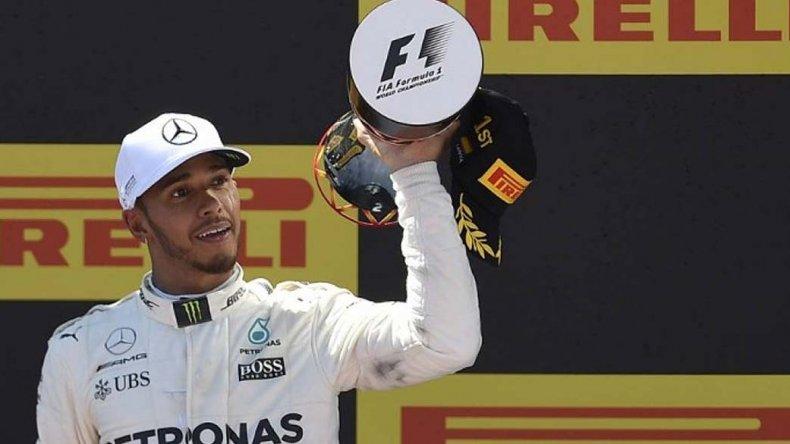 El inglés Lewis Hamilton se quedó con el triunfo en el autódromo de Montmeló.