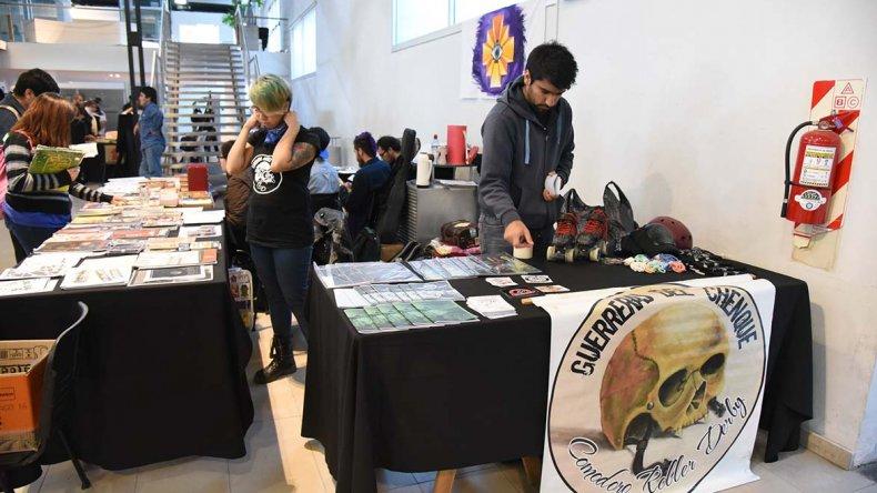 El Roller Derby promocionó el deporte en el VI Encuentro del Libro Usado.