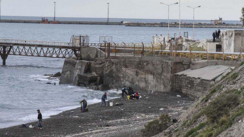 El hombre ahogado en la playa de Km 3 sería un mariscador que ya habían rescatado en marzo