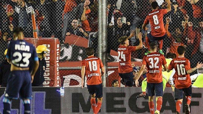 Independiente venció a Racing y sueña con la Libertadores