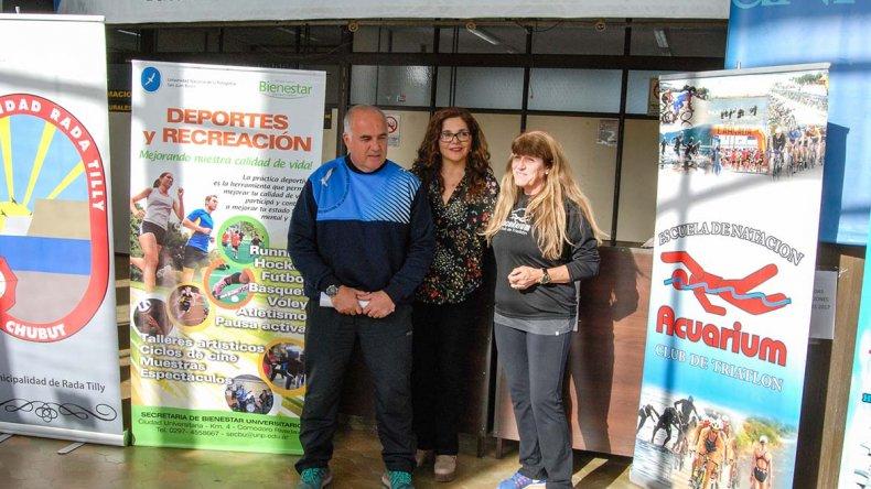 Referentes de la Universidad local y el Club de Triatlón Acuarium presentaron la Corrida Solidaria por el 43° aniversario de la UNPSJB.