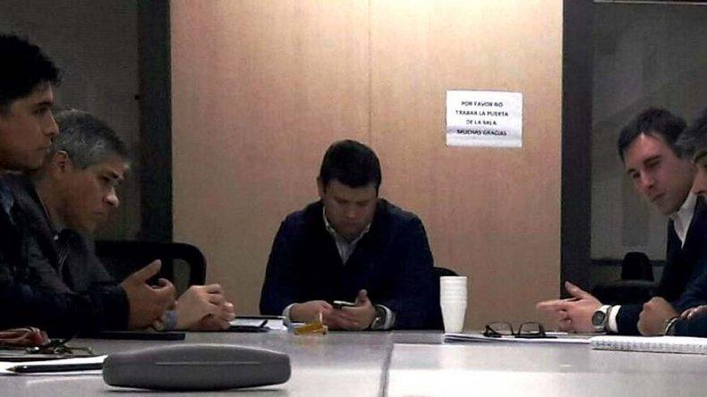 El vicegobernador Pablo González acompaña a Claudio Vidal en las reuniones que se iniciaron el lunes con directivos de San Antonio e YPF.