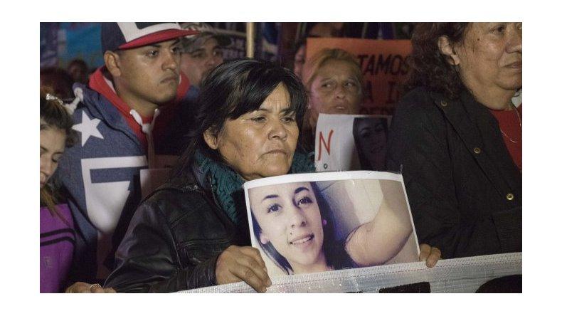 Una multitud marchó por la aparición con vida de Daiana Garnica