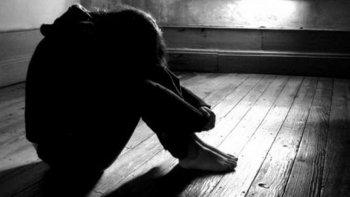 extorsiono a su hija de 15 anos para que tuviera sexo con el