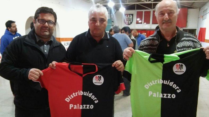 Palazzo presentó su nueva indumentaria para la temporada 2017