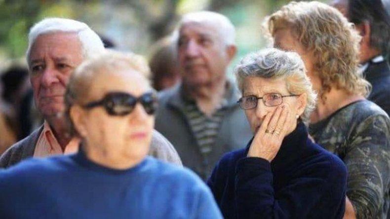 Detuvieron en Santa Cruz a un funcionario previsional que agredió a jubilados