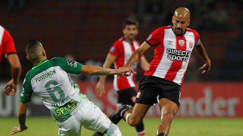 Estudiantes juega en Ecuador y su continuidad en la Libertadores depende de otro resultado.