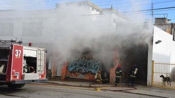 Había conexiones clandestinas de gas y electricidad en el edificio de Alvear 50 que se incendió ayer.