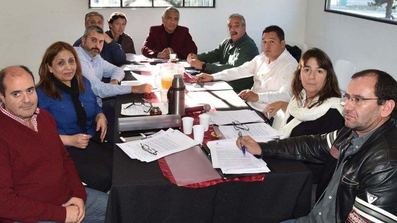 Diputados de diferentes extracciones políticas se reunieron ayer