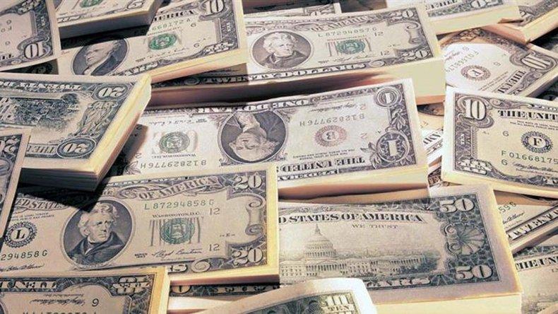 La crisis brasileña golpea el mercado cambiario local.