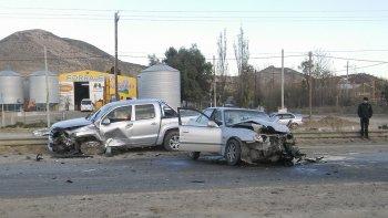 Un choque frontal en Kilómetro 14 dejó como consecuencia una mujer lesionada que debió ser hospitalizada.