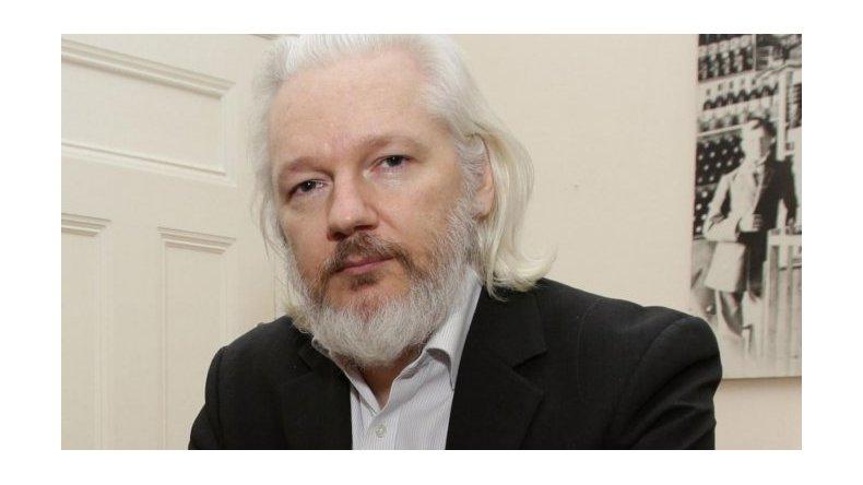 Suecia cerró la causa por presunta violación contra Assange