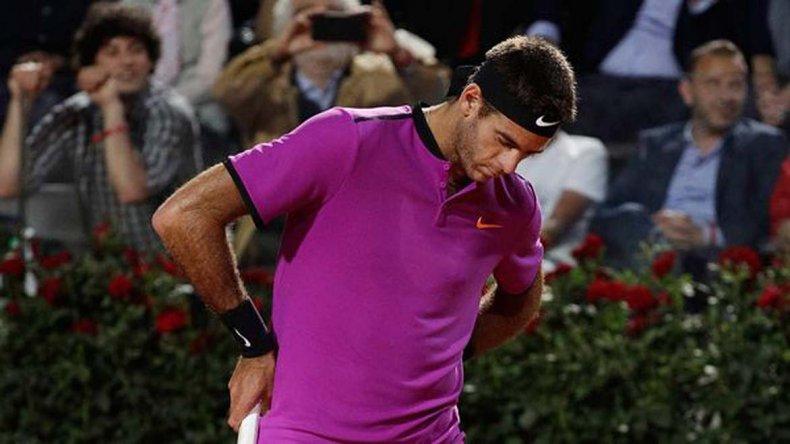 Juan Martín Del Potro deberá luchar y mucho para dar vuelta su partido que va perdiendo ante el serbio Novak Djokovic.