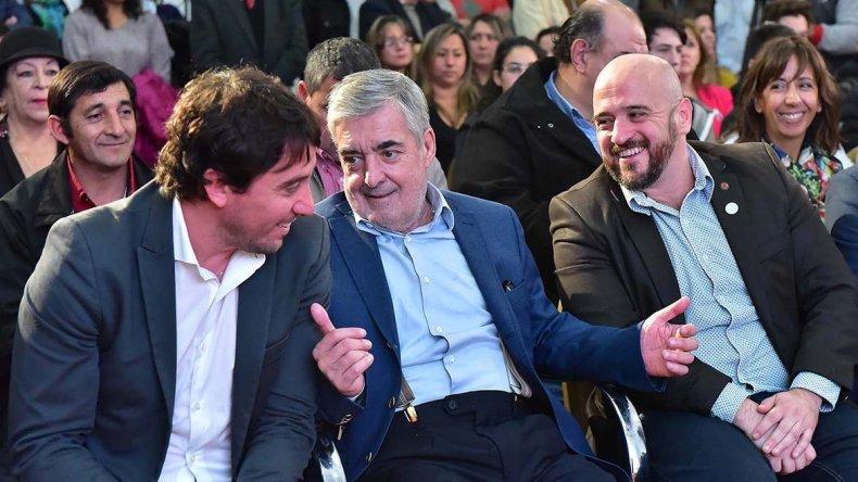 El gobernador al participar ayer del lanzamiento de los Certámenes Culturales Evita.