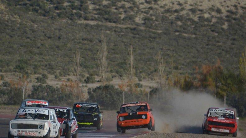 El TP 1.100cc disputó en la tarde de ayer sus dos series en el autódromo Mar y Valle de Trelew.