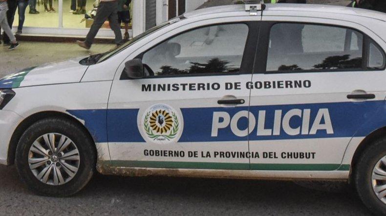 Dos hermanos detenidos cuando ingresaron a una casa en Km8