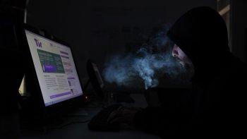 Un buscador denominado TOR permite explorar la internet profunda.