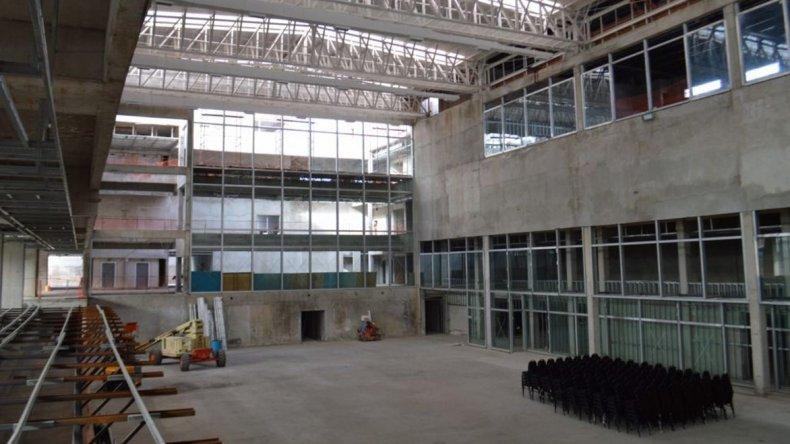 El avance que presenta la obra del Centro de Actividades de Petroleros Jerárquicos en Comodoro Rivadavia.