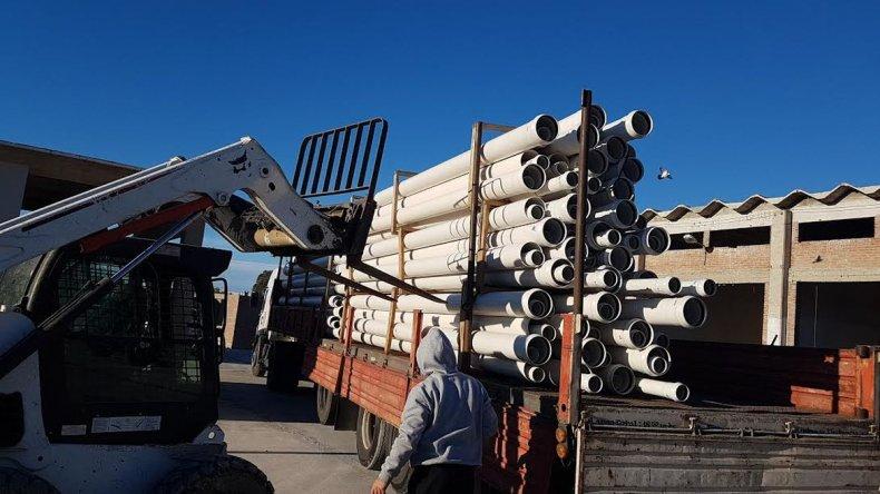 Llegaron los materiales para la reparación de sistemas de agua y cloacas