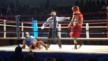 Con buen marco de público, Sarmiento tuvo una velada de boxeo amateur.
