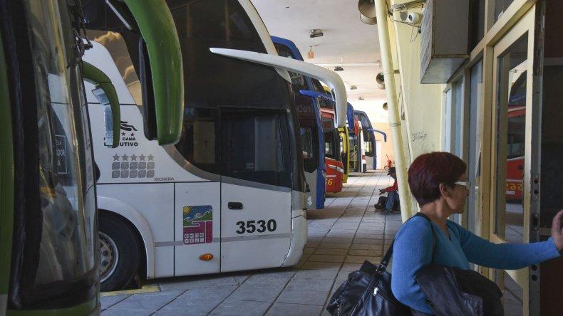 Reducirán en un 60 % el pasaje para estudiantes que viajan a Comodoro