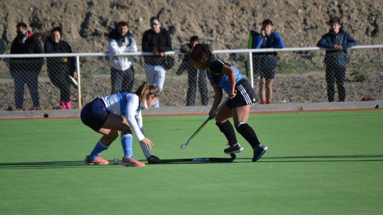 Calafate derrotó 1-0 a Chenque en Primera Damas.